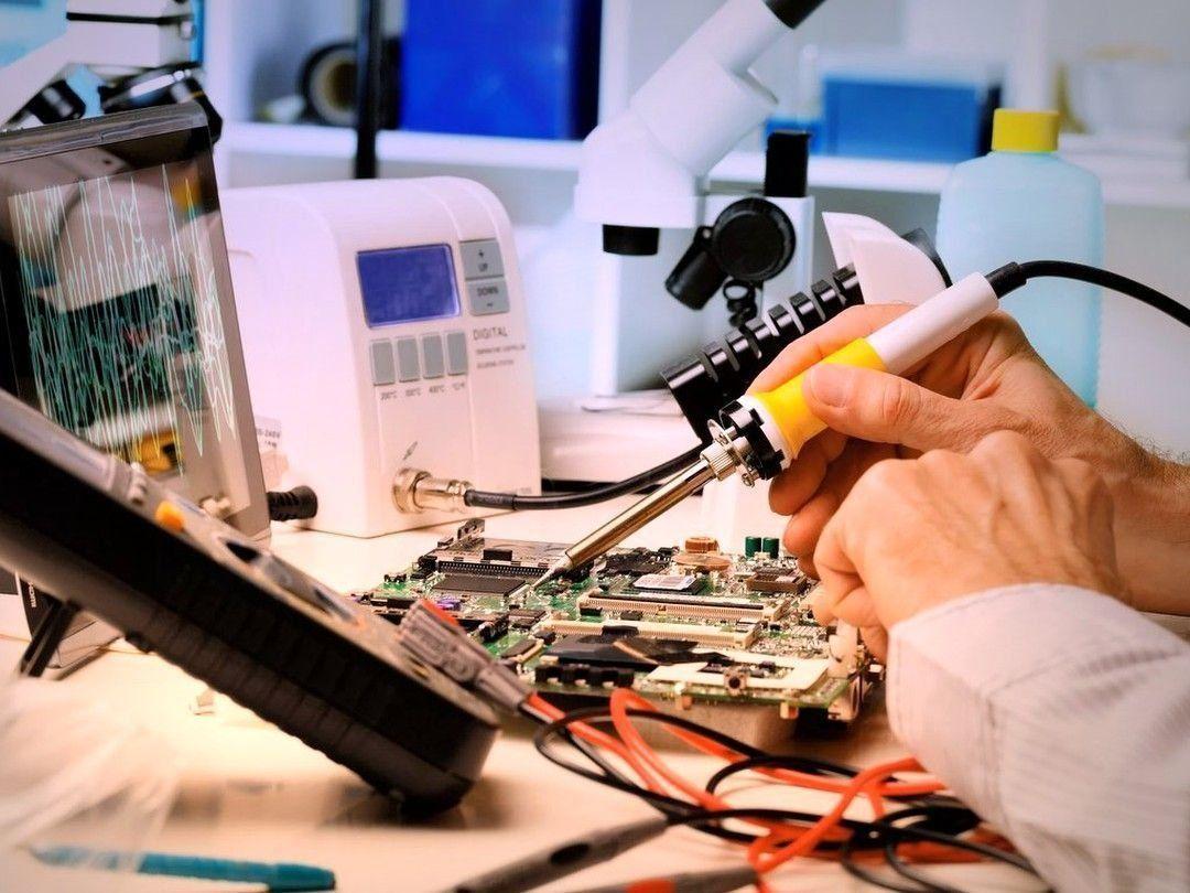 Ocjena radionica za popravak telefona i prijenosnih računala u Jekaterinburgu 2020