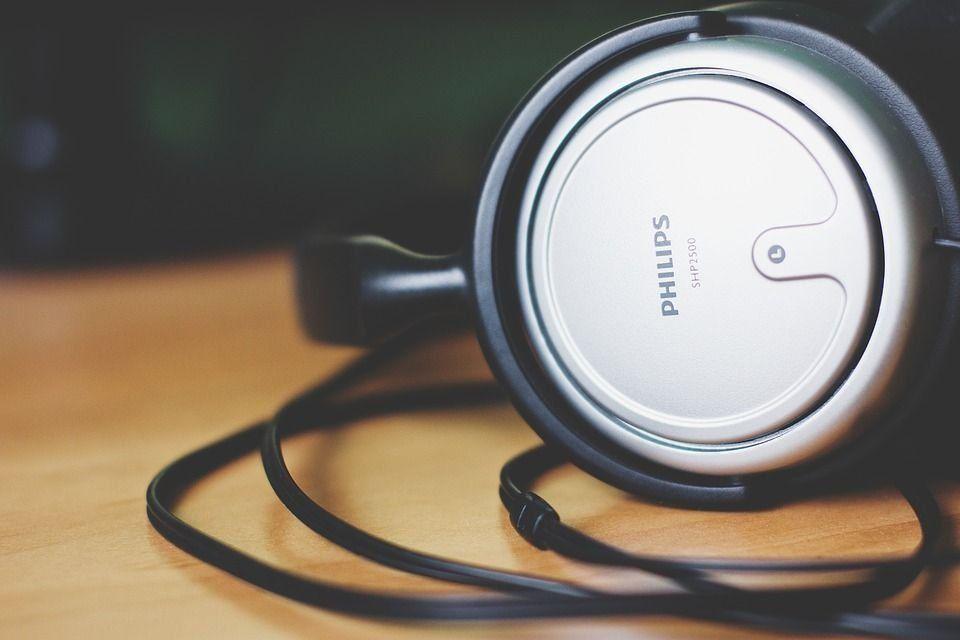 Най-добрите слушалки и слушалки Philips 2020