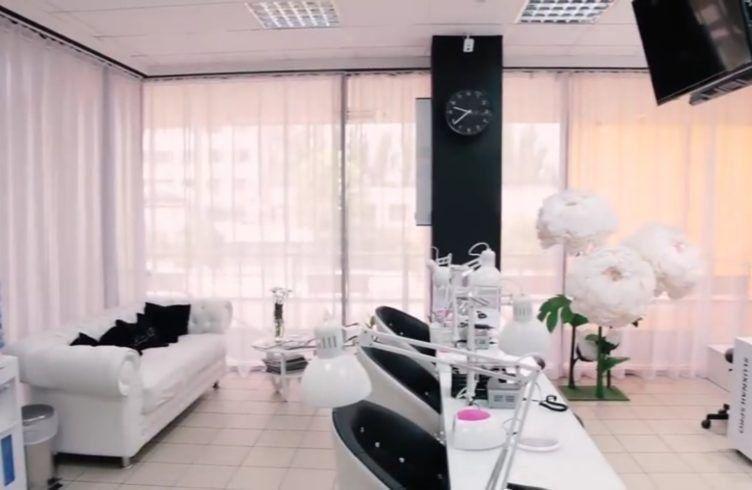 Рейтинг на най-добрите салони за маникюр във Волгоград през 2020 г.