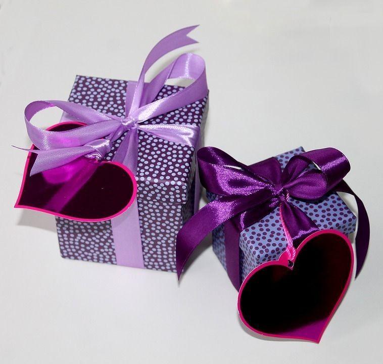 Какво да подарите на любимия си за 14 февруари: идеи за подаръци за красота