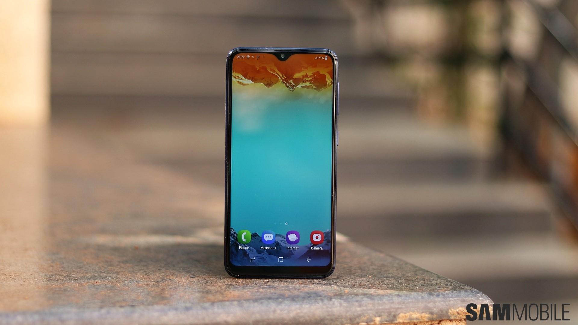 Преглед на смартфон Samsung Galaxy M01: Корея срещу Китай