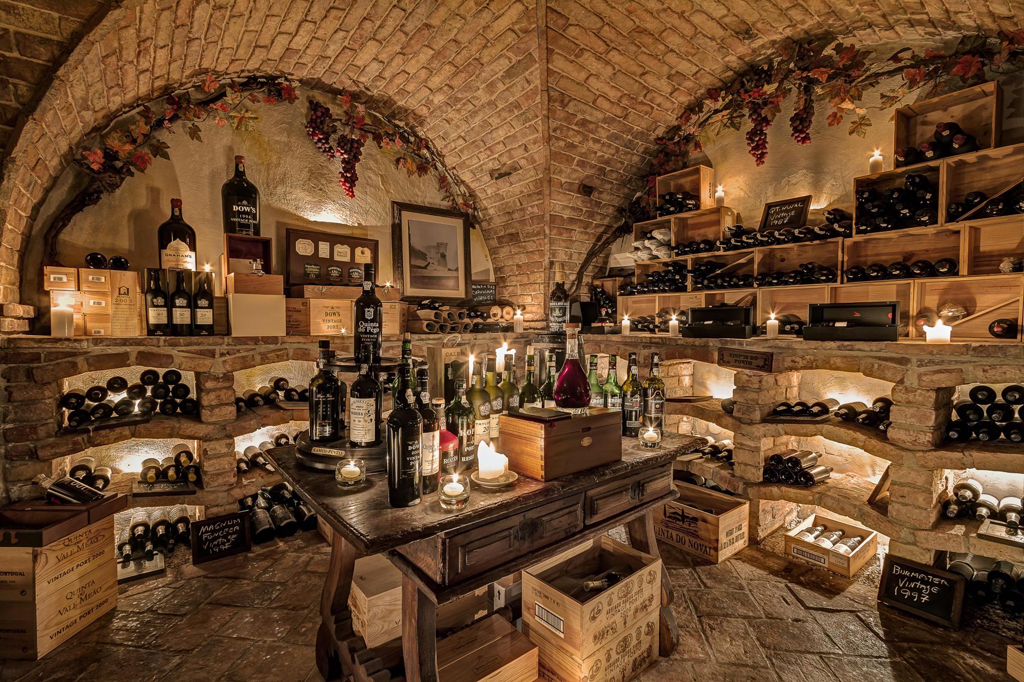 Ocjena najboljih poluslatkih vina za 2020. godinu