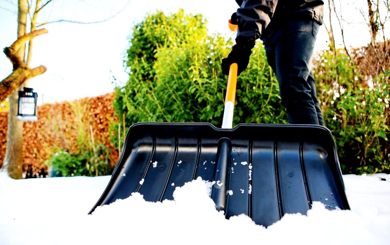 Рейтинг на най-добрите лопати за сняг за 2020 г.